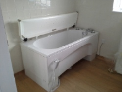 Astor Bannerman Bath with Neatfold stretcher