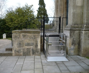 Image of wheelchair lift outside historic building