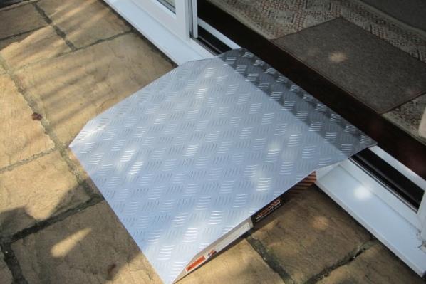 TRP aluminium threshold ramp
