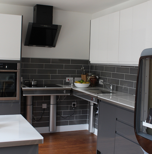 Blackwood Indivo kitchen controlled by CleverCogs