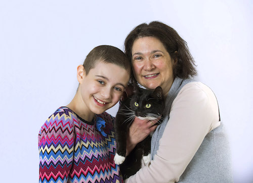 National Cat of the year, Genie, with Evie and her mother